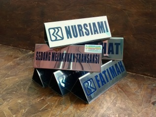Name Desk BRI 3 sisi