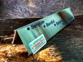 Name Desk BRI rel Stainless Belakang