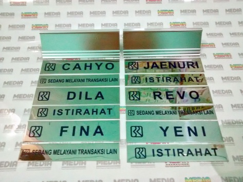 Name Desk BRI 02