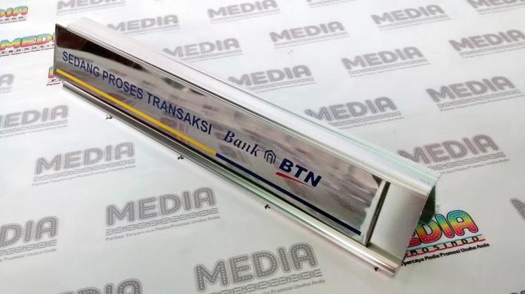 Name Desk BTN 05